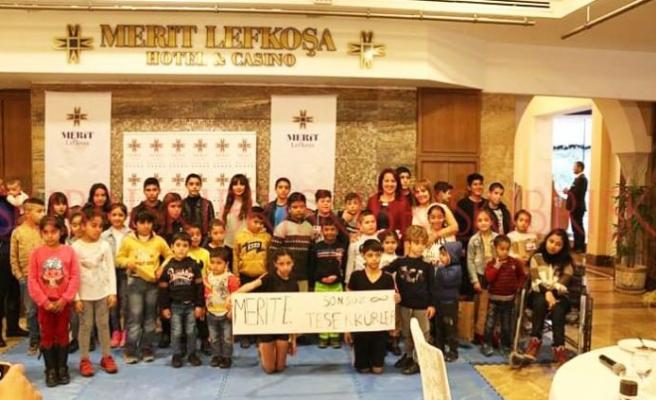 100 çocuğa hediye verildi