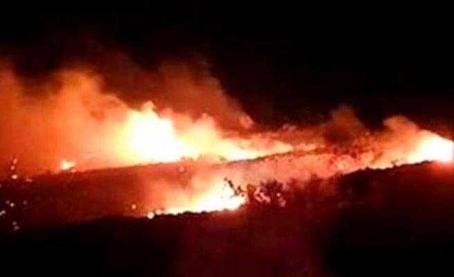 Cezayir'de askeri uçak düştü