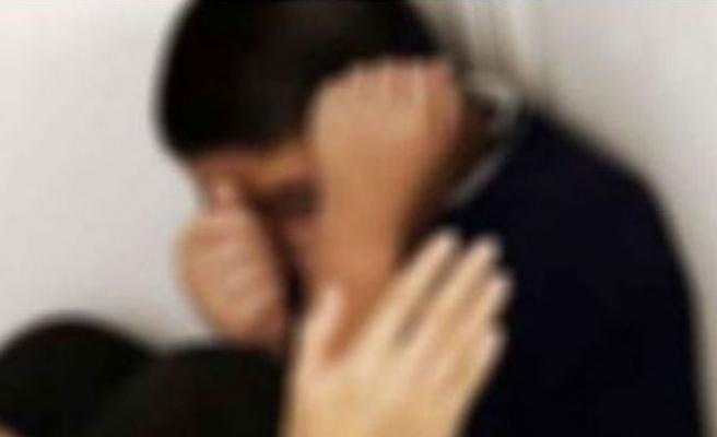 Öğretmen, öğrencisini dövdü