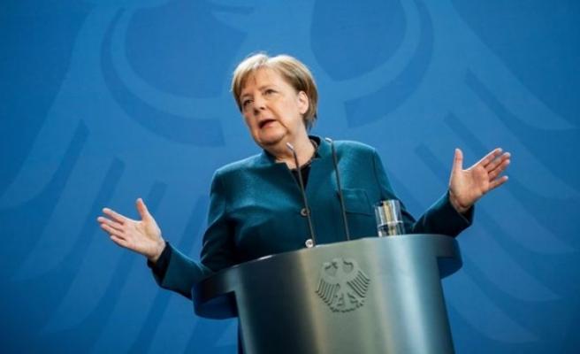 Merkel kendisini karantinaya aldı