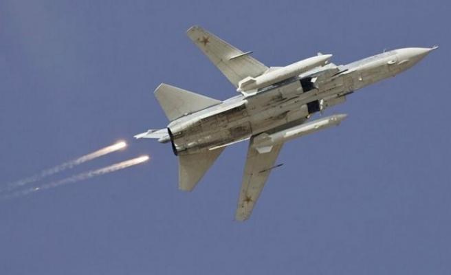 Türkiye iki Suriye uçağını düşürdü, pilotlar atlayarak kurtuldu