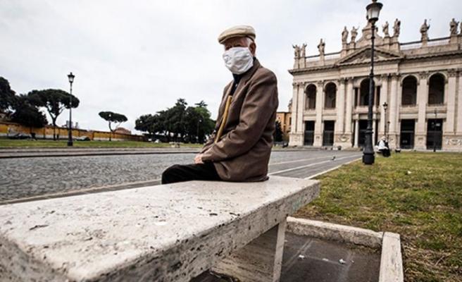 İtalya'da son 24 saatte Koronavirüsten 474 ölüm