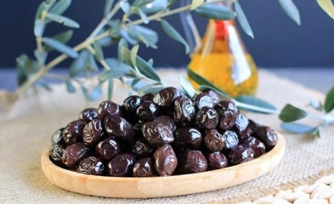 Zeytin üreticileri siyah zeytin ithalatının durdurulmasını talep etti
