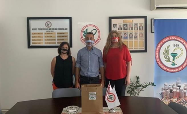 İşitme ve konuşma engelliler maske zorunluluğu nedeniyle iletişim sorunu yaşıyor