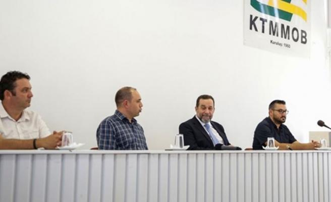 Denktaş: Geçmişte  Kıbrıs Türkü'ne var olan saygılı duruşun yeniden kazanılması gerekir
