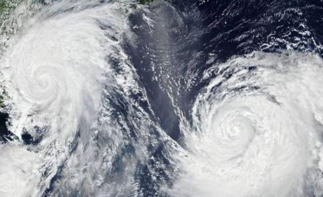 Japonya'da tayfun alarmı: 250'den fazla uçuş iptal edildi