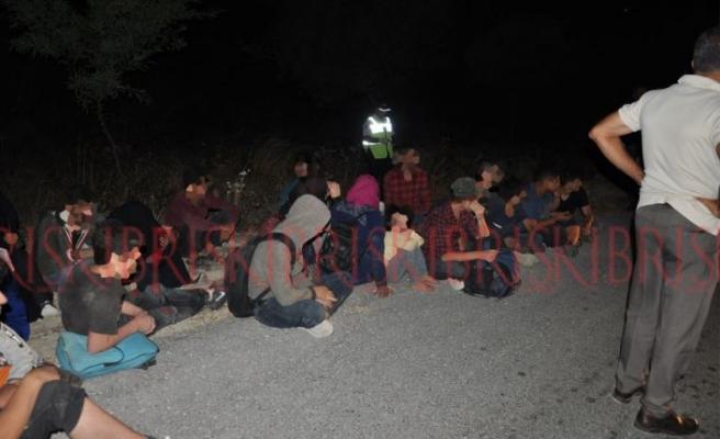 9'u çocuk 32 mülteci tespit edildi