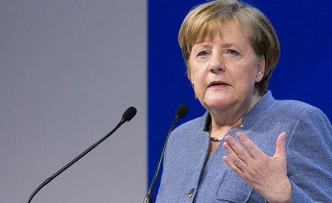 Merkel'den eyalet başbakanlarıyla Covid-19 zirvesi