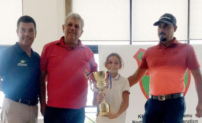 Golfta birincilik Sofia Raskin'in