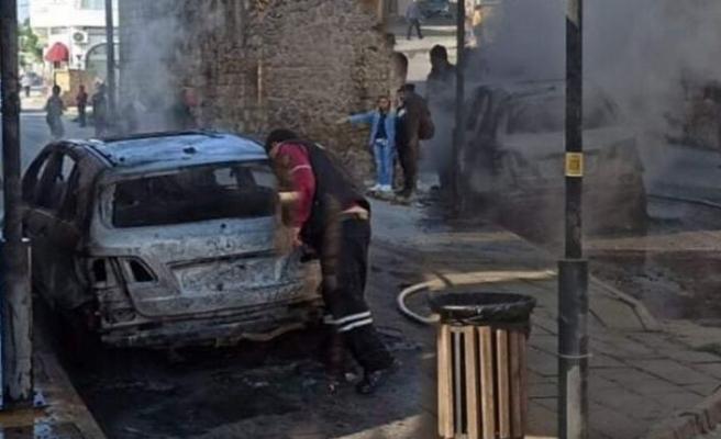 Mağusa Suriçi'nde araç aniden alev aldı