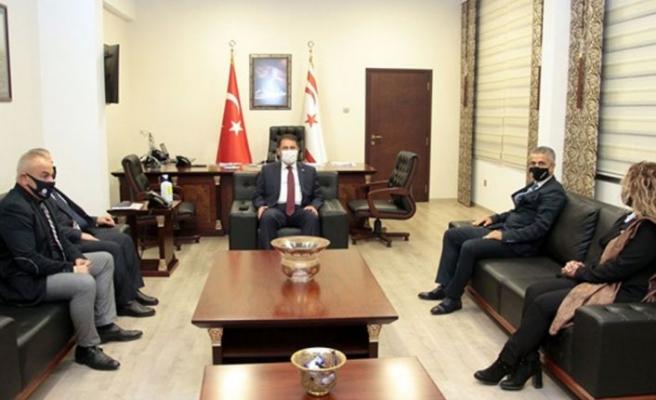 Başbakan Saner, DAÜ Per-Sen yönetim kurulunu kabul etti