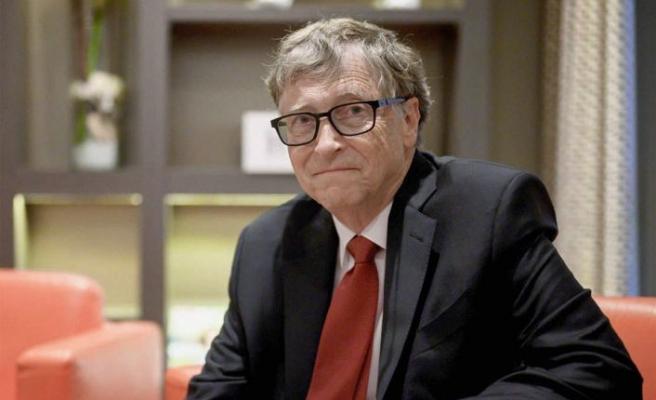 Bill Gates: Hayat 2021 baharına kadar normale dönebilir