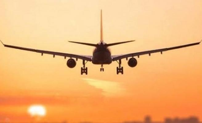 Çin İngiltere'ye uçuş yasağı getirdi