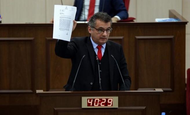 Erhürman: Çözüm istemeyen Anastasiadis'e altın tepside çözüm isteyen taraf statüsü tanındı