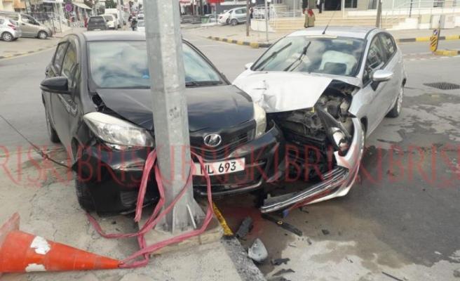 Kırmızı ışıkta geçti  kazaya neden oldu