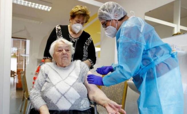 AB, BioNTech'ten 300 Milyon doz aşı daha sipariş etti