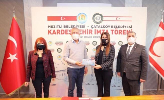 Çatalköy Belediyesi ile Mersin bölgesinden Mezitli Belediyesi kardeş şehir anlaşması imzaladı