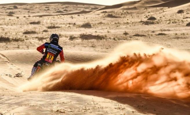 Kumda zorlu yarış