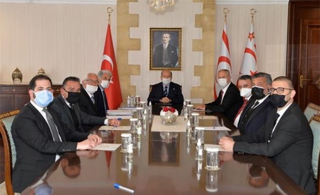 Cumhurbaşkanı Tatar, hukukçularla bir araya geldi