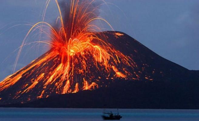 Dünyanın en büyük yanardağı uykusundan uyanıyor