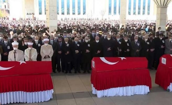 Helikopter kazasında şehit olan 11 asker için cenaze töreni düzenlendi