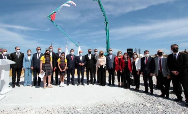 İskele'de inşa edilecek Dr. Suat Günsel Devlet İlkokulu'nun temeli dün düzenlenen törenle atıldı