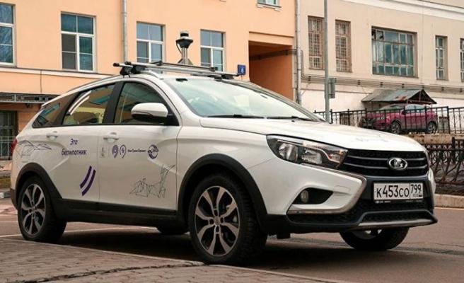 Rusya'nın sürücüsüz otomobili Moskova'da bir hastanede kullanılmaya başlandı