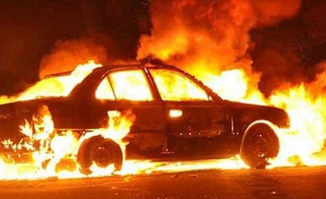 Safaköy'de park halindeki araç ateşe verildi