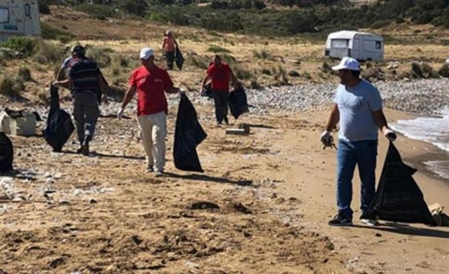Çevre Koruma Dairesi Karpaz Özel Çevre Koruma birimi tarafından Altınkum sahili ve piknik alanında temizlik etkinliği gerçekleştirildi