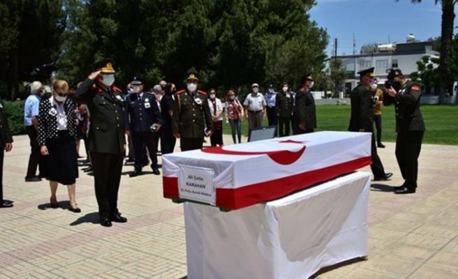 Emekli Polis Genel Müdürü Ali Çetin Karahan için Polis Genel Müdürlüğü'nde tören düzenlendi