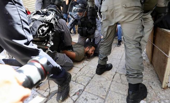 İsrail polislerinden Şam Kapısı'nda Filistinlilere müdahale