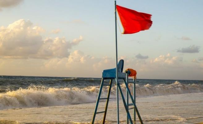 Plajlarda yeterli cankurtaran yok