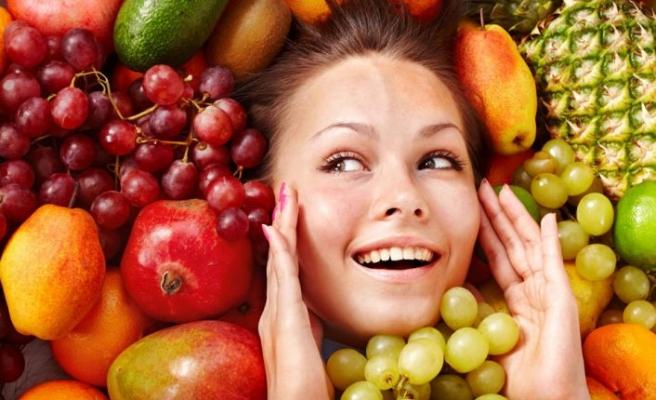 Sağlıklı cilt için doğru beslenin