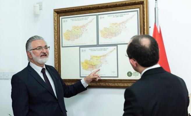 TC Ticaret Bakanı Mehmet Muş, Kıbrıs vakıflar İdaresi Genel Müdürü İbrahim Benter'i ziyaret etti