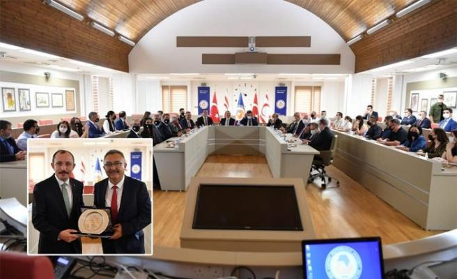 Türkiye Ticaret Bakanı Muş mezun olduğu DAÜ'yü ziyaret etti