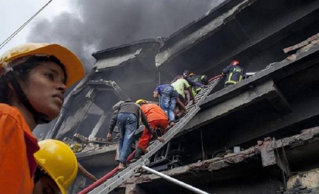 Bangladeş'te fabrikada çıkan yangında 49 kişi hayatını kaybetti