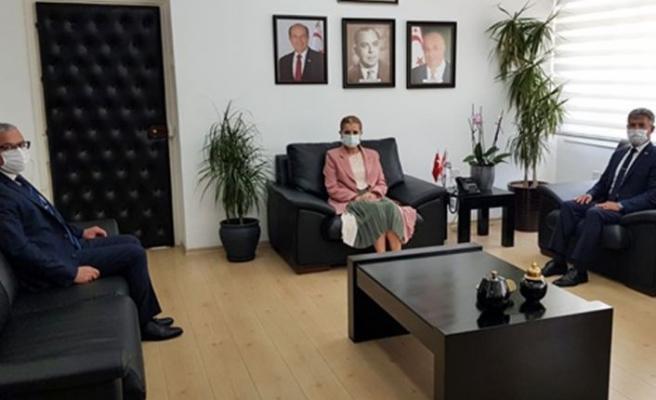 Bayındırlık ve Ulaştırma Bakanı Canaltay, Karakoç ve Karaca'yı kabul etti