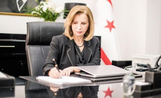 Bayındırlık ve Ulaştırma Bakanı ResmiyeCanaltayCunta darbesi̇ yıl dönümü nedeniyle açıklama yaptı
