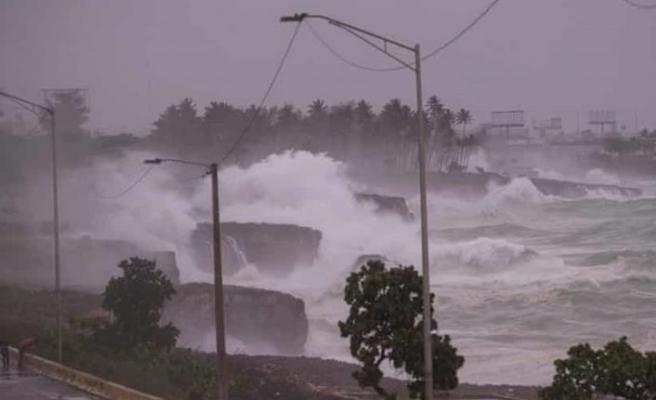 Elsa tropik fırtınası Küba sahillerine ulaştı