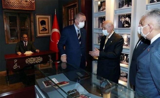 Erdoğan, Lefkoşa'da Alparslan Türkeş'in doğduğu müze eve ziyarette bulundu