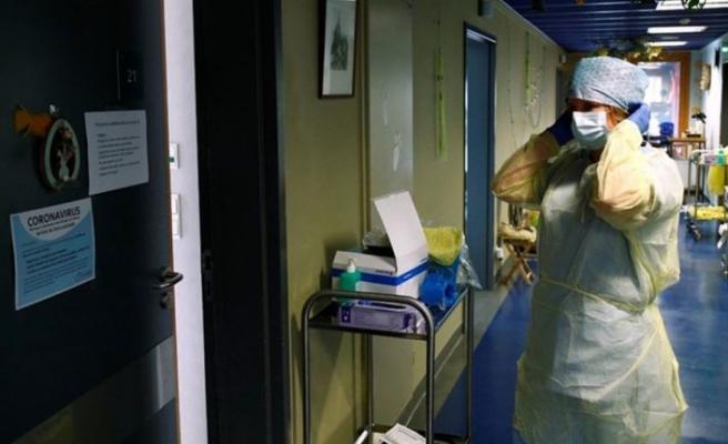 Fransa ve Yunanistan'da sağlıkçılara aşı zorunluluğu