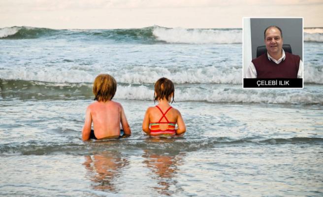 Küçük çocukların korumasız denize götürülmesi tepki topladı