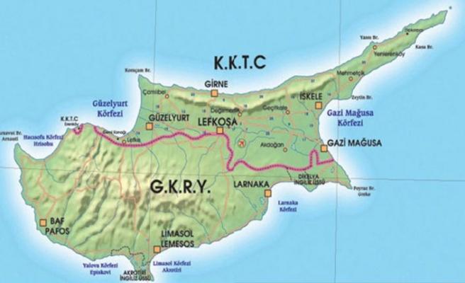 Türkiye'den Kıbrıs'ta iki devlet için zorlama