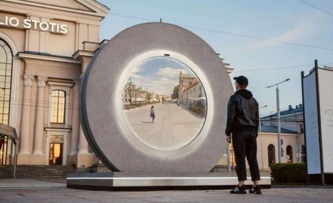 """VİDEO - Polonya'nın Lublin ve Litvanya'nın Vilnius kentleri arasında """"portal"""" açıldı"""