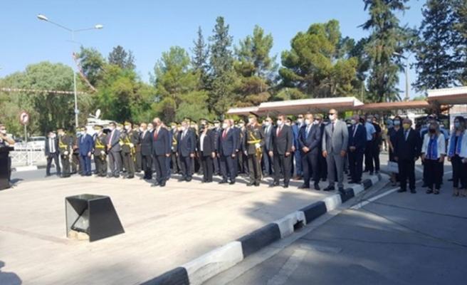 30 Ağustos Zaferi'nin 99'uncu yıl dönümü Lefkoşa'da ilk tören Atatürk Anıtı'nda düzenlendi