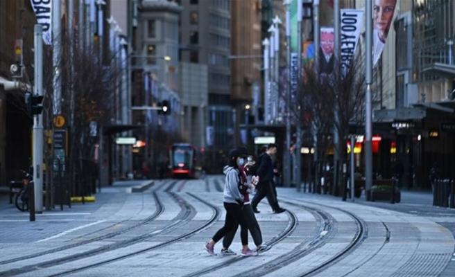 Avustralya'nın Sydney kentinde Kovid-19 ile mücadele kapsamında gece sokağa çıkma yasağı getirildi