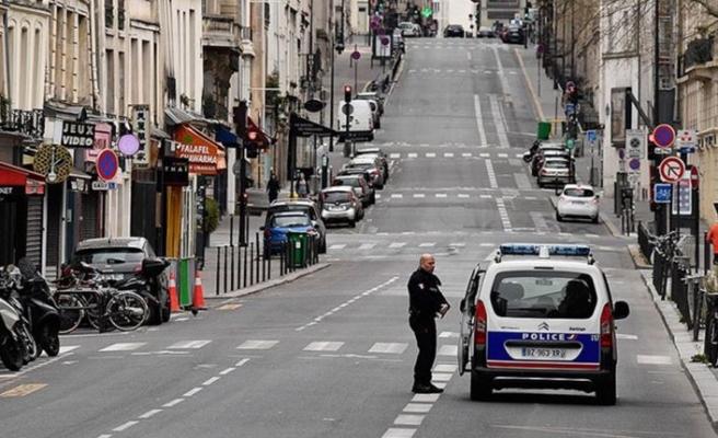 Fransa'da aşı olmayanlara önemli kısıtlamalar getiren uygulama başladı