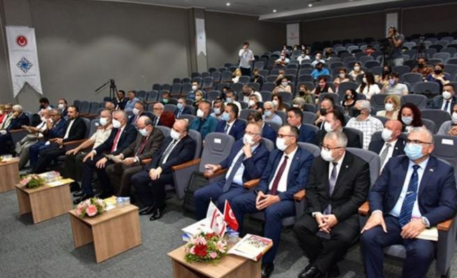 """Kıbrıs Türk Tarihi ve Öğretimi"""" konulu panel Girne Üniversitesi'nde yapıldı"""