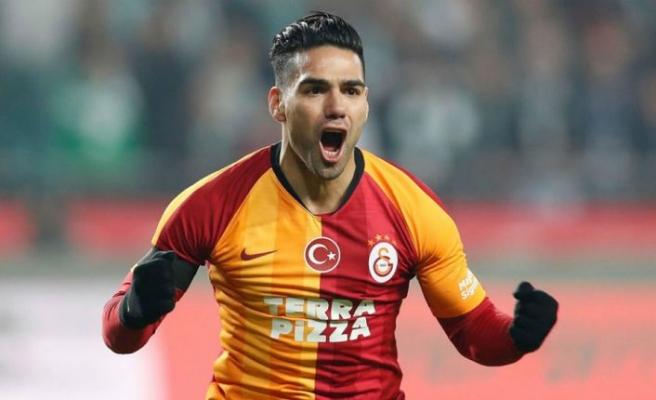 Falcao Galatasaray'dan ayrıldı