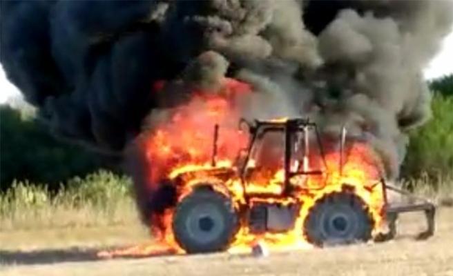 Haspolat'ta traktör yanarak kül oldu